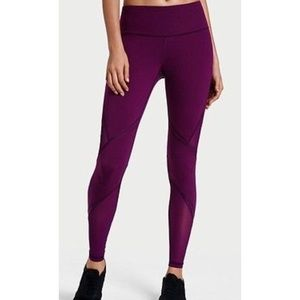 Victoria's Secret Knockout Leggings G26